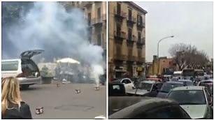 Petardi in strada per il funerale Traffico bloccato a Palermo