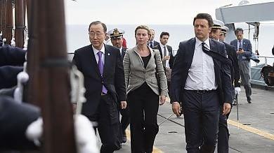 Stragi migranti, Ba Ki-moon con Renzi  sulla San Giusto nel Canale di Sicilia:
