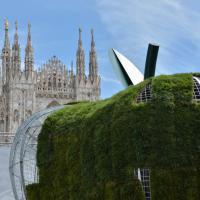 Milano, la mela di Michelangelo Pistoletto arriva in piazza Duomo
