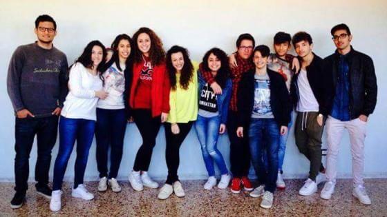 """Gli studenti di Brindisi in difesa del mare. """"Ripuliamo le acque inquinate dalle barche"""""""