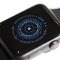 Apple Watch e tatuaggi sul polso, utenti segnalano problemi: e parte il tattoo-gate