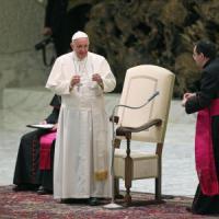 """Papa: """"Impegnati in politica, ma non serve un partito di cattolici"""""""