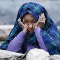 """Nepal, più di 7.000 le vittime del sisma. Ministero Interno: """"Nessuna possibilità..."""
