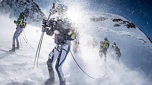 Cinque ore tra i ghiacciai: gli alpini   vincono la maratona della neve