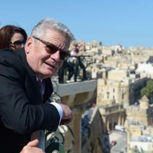"""Germania, il presidente viene incontro alla Grecia: """"Giusto risarcire per crimini Terzo Reich"""""""
