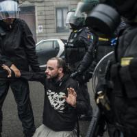 Fermati e rilasciati, così sono finiti in piazza a Milano i violenti dell'anti-Expo