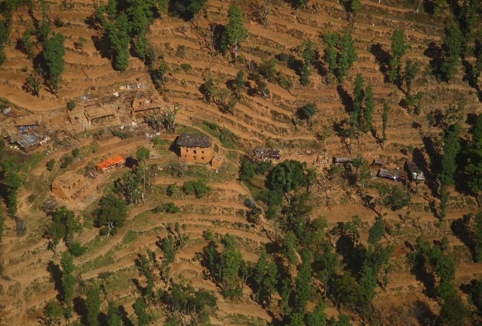 Terremoto in Nepal, la distruzione vista dall'alto