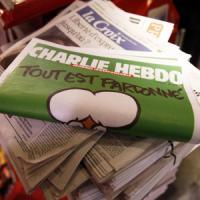 """Francia, un professore: """"Disegnatori di Charlie Hebdo sono farabutti"""". Sospeso"""