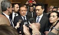 """Berlusconi smentisce """"Niente trattativa con cinesi"""""""