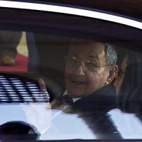 Cuba, domenica Raùl Castro dal Papa. Disgelo con Usa, sì a collegamenti via traghetto