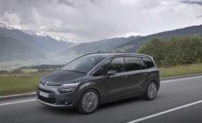 Citroën in festa, la C4 Picasso vola