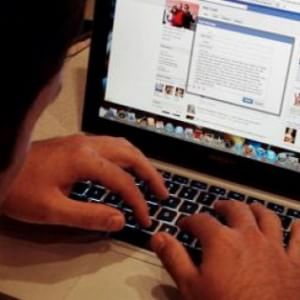 Dal sexting allo spamming, ecco il dizionario dei comportamenti devianti online