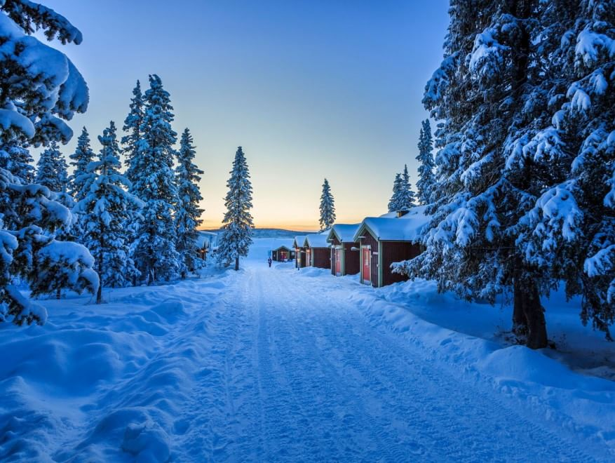 Sorpresa in mezzo al nulla gli alberghi pi isolati del for Cabine di pesca nel ghiaccio alberta