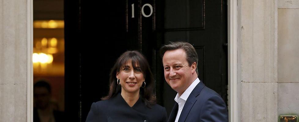 """Elezioni Gb, stravince Cameron. Clegg, Farage e Miliband lasciano: """"Serve un nuovo leader"""""""