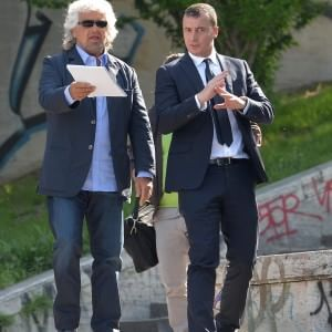"""Grillo all'assemblea Eni: """"Di Descalzi penso solo male, Saipem era un gioiello"""""""
