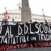 """Scuola, Renzi: """"Sì al dialogo, no al boicottaggio"""". Il governo: """"No a fiducia sulla..."""