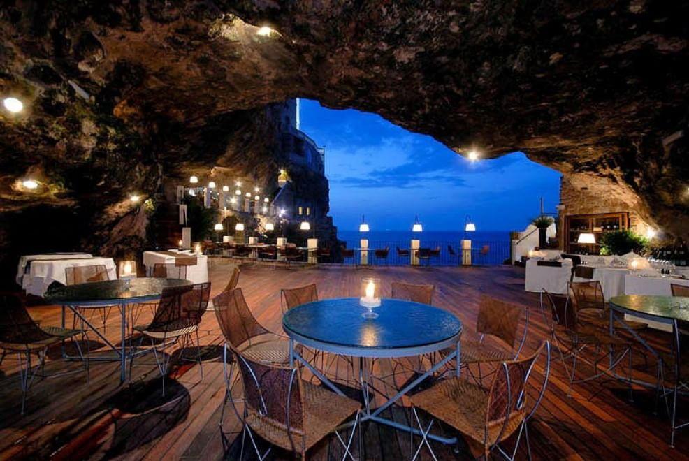 Esperienza mozzafiato: i 15 ristoranti con vista mare più belli al ...