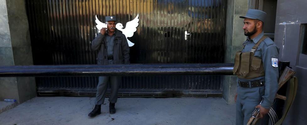 Afghanistan, attacco in hotel: 14 morti. Muore 48enne italiano Sandro Abati