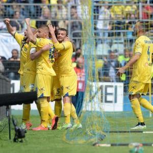 Serie B, il Frosinone vola in A. Brescia in Lega Pro