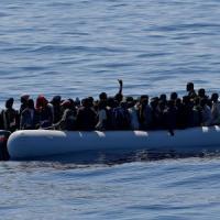 Libia avverte: accordo tra Is e scafisti, miliziani tra i migranti sui barconi