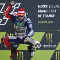 MotoGp, Lorenzo trionfa al Gp di Francia