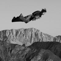 Addio a Dean Potter: l'acrobata del rischio muore durante salto estremo