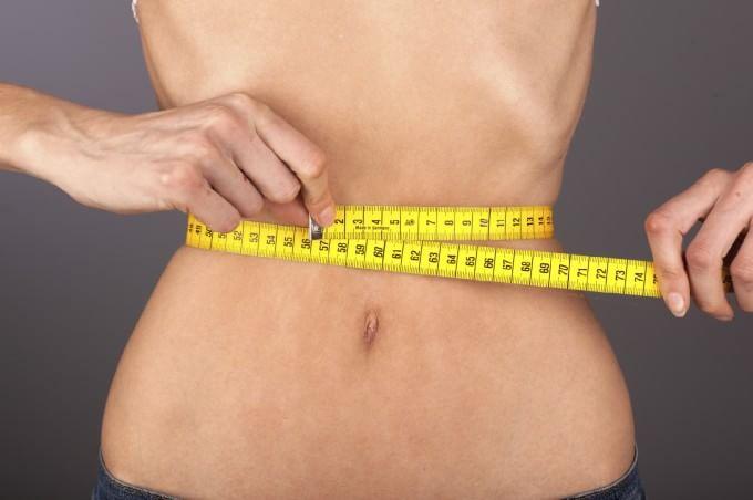 """Anoressia, proposta di legge per combatterla: """"Nutrizione obbligatoria se la vita è a rischio"""""""