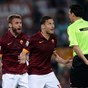 Totti si riprende la Roma. E ora il derby per la Champions