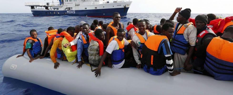 """Guerra a scafisti, via libera Ue a missione navale. Gentiloni: """"No a passi indietro su quote"""""""