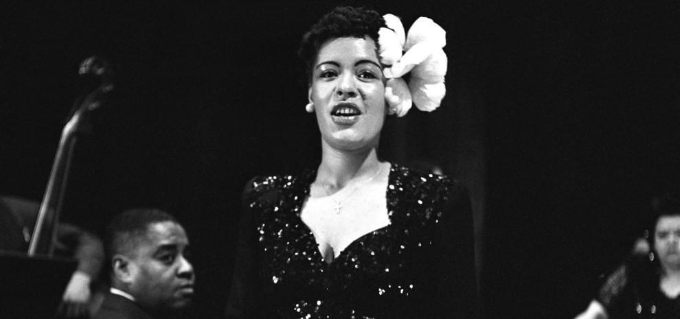 Un secolo di Billie Holiday, con lei il jazz scoprì la voce strumento