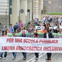 """Scuola, via libera al """"super-preside"""". Scontro alla Camera, Fassina: """"Giannini si dimetta"""""""