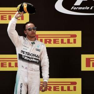 F1, Mercedes e Hamilton insieme per altre tre stagioni