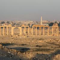 Siria, miliziani Is nel centro di Palmira. Evacuati civili e rimosse centinaia di statue