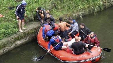 Firenze, turista cade nell'Arno   foto   giovane marocchino si tuffa e lo salva