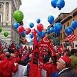 Sindacati e Sel   foto   -   video   in centinaia sfilano  al corteo anti-Marino