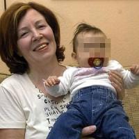 Berlino: già madre di 13 figli, partorisce 4 gemelli a 65 anni