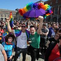 Nozze gay, Italia tra i 9 europei ancora senza legge