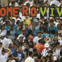 Romero beato, il Papa: ''Costruttore di pace''