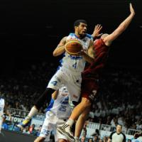 Basket, serie A: Cantù stoppa Venezia e riapre i giochi, Brindisi si porta avanti su Reggio Emilia
