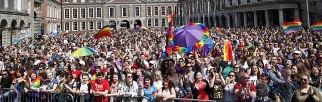 """Irlanda, valanga di sì a matrimonio gay: 62% Premier di Dublino: """"Ora l'Europa ci segua"""""""