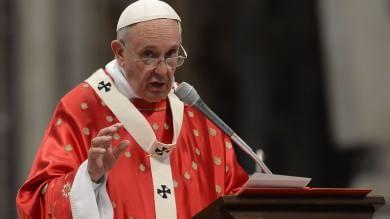 """Papa: """"Corruzione si allarga sempre più combatterla senza compromessi"""""""