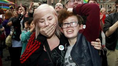 Irlanda, il sì alle nozze gay scuote l'Europa