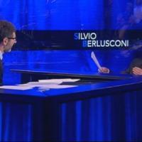 """Berlusconi da Fazio: """"Chi ha lasciato Fi l'ha fatto per tornaconto"""""""