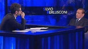 """Berlusconi scherza con Fazio """"È invecchiato, via la barba grigia"""""""