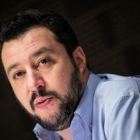 Podemos, Salvini esulta. Renzi: