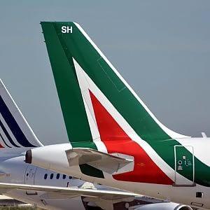 Gli italiani hanno pagato 7,4 miliardi per salvare l'Alitalia