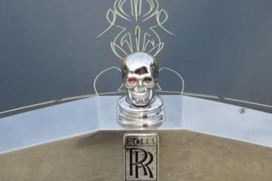Povera Rolls: un teschio al posto della Flying Lady...