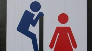 Toilette, segui il cartello i più strani anche online