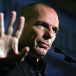"""Grecia, Varoufakis all'attacco: """"Il problema non sono le riforme, ma l'austerity"""""""