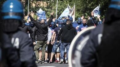 Roma, anche internazionale nera del tifo dietro scontri dell'Olimpico   immagini